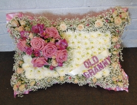 Large Pillow   Gyp Edged with Sparkles